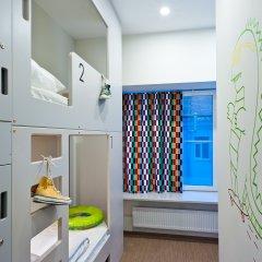 Хостел Graffiti L Кровать в общем номере с двухъярусной кроватью фото 17