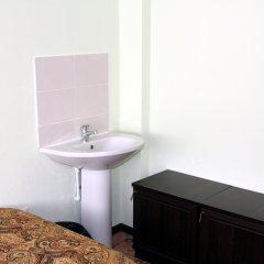 Мини-Отель Хотси-Тотси Кровать в общем номере фото 3
