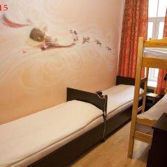 Хостел Бабушка Хаус Кровать в женском общем номере с двухъярусной кроватью
