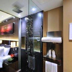 Отель The Continent Bangkok by Compass Hospitality 4* Улучшенный номер с различными типами кроватей фото 24
