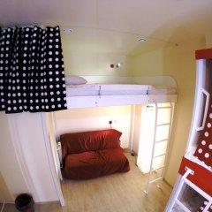 Гостиница HQ Hostelberry Кровать в общем номере с двухъярусной кроватью фото 12