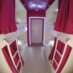 Гостиница HQ Hostelberry Кровать в общем номере двухъярусные кровати