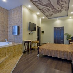Гостиница Алекс на Марата Люкс разные типы кроватей фото 2