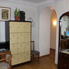 Хостел Artdeson на Ленинградском проспекте сейф в номере