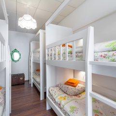 Хостел Друзья на Литейном Кровать в мужском общем номере с двухъярусной кроватью фото 5