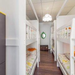 Хостел Друзья на Литейном Кровать в женском общем номере с двухъярусной кроватью фото 5