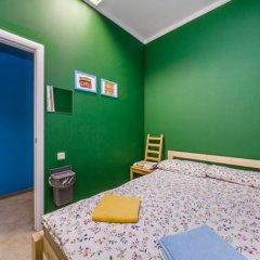 Хостел Макарена Стандартный номер с двуспальной кроватью (общая ванная комната)