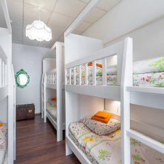 Хостел Друзья на Литейном Кровать в женском общем номере с двухъярусной кроватью фото 4