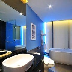 Отель The Continent Bangkok by Compass Hospitality 4* Улучшенный номер с различными типами кроватей фото 18