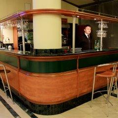 Гостиница Виктория Палас в Астрахани отзывы, цены и фото номеров - забронировать гостиницу Виктория Палас онлайн Астрахань гостиничный бар