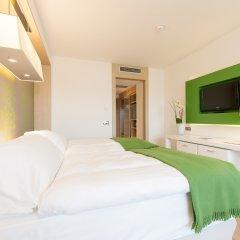 Отель Occidental Praha Five 4* Улучшенный номер с различными типами кроватей фото 2