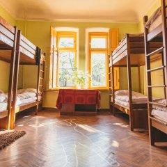 Хостел Элементарно Кровать в общем номере с двухъярусной кроватью