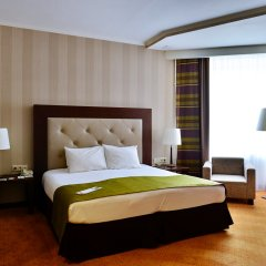 Гостиница Петро Палас 5* Улучшенный номер с двуспальной кроватью