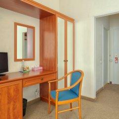 Гостиница Комфорт 3* Улучшенный номер двуспальная кровать фото 5