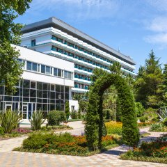 Гостиница Санаторно-курортный комплекс Знание вид на фасад фото 2