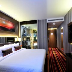 Отель The Continent Bangkok by Compass Hospitality 4* Улучшенный номер с различными типами кроватей фото 2