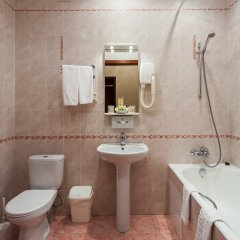 Легендарный Отель Советский 4* Улучшенный номер двуспальная кровать фото 4