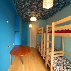 Хостел Ура рядом с Казанским Собором Кровать в мужском общем номере с двухъярусной кроватью фото 3