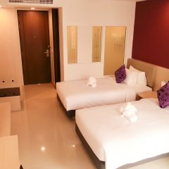 Отель Andatel Grandé Patong Phuket 4* Улучшенный номер с различными типами кроватей фото 9