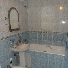 Мини-Отель Амазонка Ялта ванная фото 2