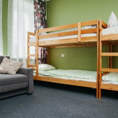 Хостел Достоевский Кровать в мужском общем номере с двухъярусными кроватями