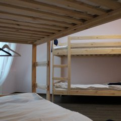 Хостел Angel Court Yard Кровать в общем номере двухъярусные кровати