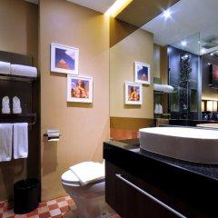 Отель The Continent Bangkok by Compass Hospitality 4* Улучшенный номер с различными типами кроватей фото 19