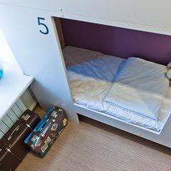 Хостел Graffiti L Кровать в общем номере с двухъярусной кроватью фото 13