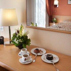 Гостиница Александровский 4* Улучшенный номер с различными типами кроватей фото 3
