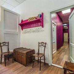 Хостел Друзья на Литейном Кровать в женском общем номере с двухъярусной кроватью фото 7