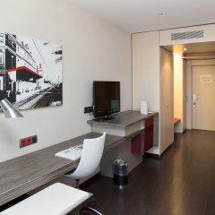 Отель ILUNION Barcelona 4* Стандартный номер с различными типами кроватей фото 7