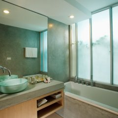 Отель Ramada by Wyndham Phuket Southsea 4* Номер Делюкс разные типы кроватей фото 6