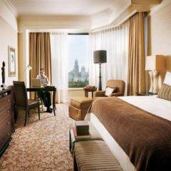 Four Seasons Hotel Singapore 5* Номер категории Премиум с различными типами кроватей