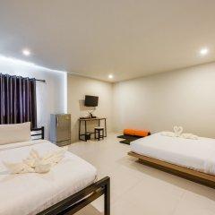 Отель Phuket Marine Poshtel 2* Улучшенный номер с различными типами кроватей