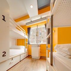 Отель Generator London Кровать в общем номере с двухъярусной кроватью