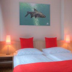 MEININGER Hotel Hamburg City Center 2* Стандартный номер двуспальная кровать