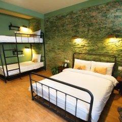 Niras Bankoc Cultural Hostel Стандартный семейный номер с различными типами кроватей