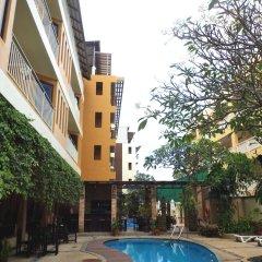 Отель La Vintage Resort бар у бассейна фото 2
