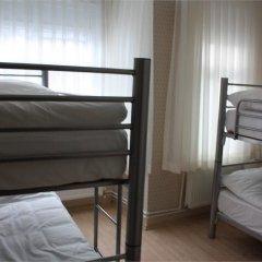 Piya Hostel Кровать в общем номере с двухъярусной кроватью