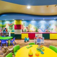 Отель Phuket Marriott Resort & Spa, Merlin Beach закрытая детская игровая площадка фото 2