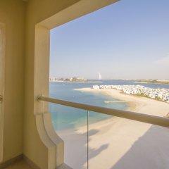 Отель Bespoke Residences - Shoreline Al Haseer балкон