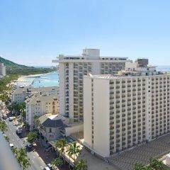 Отель Waikiki Beachcomber by Outrigger 3* Полулюкс с различными типами кроватей