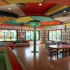 Отель Le Meridien Phuket Beach Resort закрытая детская игровая площадка