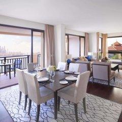 Отель Anantara The Palm Dubai Resort вид из номера фото 2