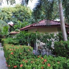 Отель Hyton Leelavadee Phuket сад