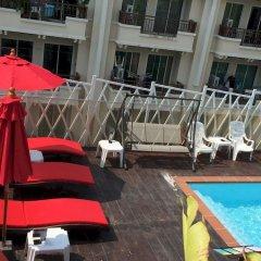 Отель PJ Patong Resortel открытый бассейн