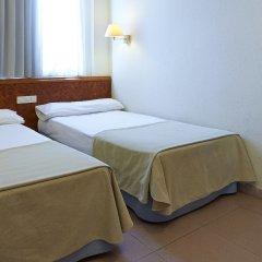 Отель Hesperia Sant Joan Suites 3* Стандартный семейный номер с различными типами кроватей