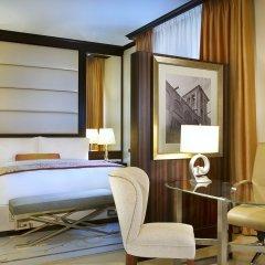 Отель The Ritz-Carlton Abu Dhabi, Grand Canal 5* Стандартный номер с различными типами кроватей фото 3