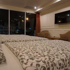 Отель Phuket Airport Suites & Lounge Bar - Club 96 Люкс с различными типами кроватей