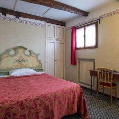 Hotel La Fenice Et Des Artistes 3* Номер Комфорт с различными типами кроватей